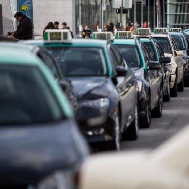 Apoio à Descarbonização da Frota de Táxis