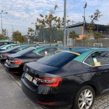 Lotação dos Táxis nos bancos dianteiros