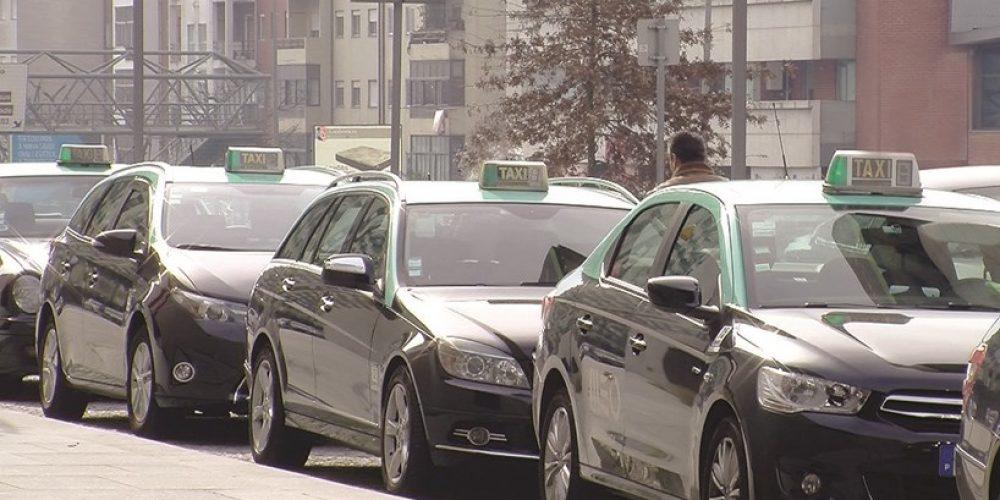 Despacho do Presidente da Câmara Municipal de Aveiro para industriais de transporte em táxi do município