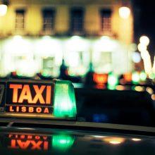 Ocupação máxima dos bancos traseiros de táxis